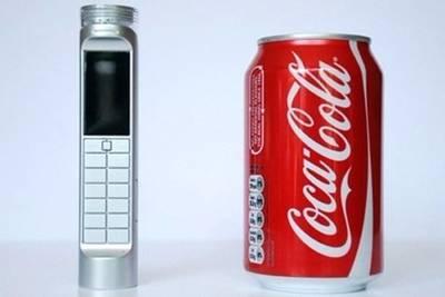 Это мобильный телефон Nokia от Daizi Zheng, работающий на Кока-Коле.