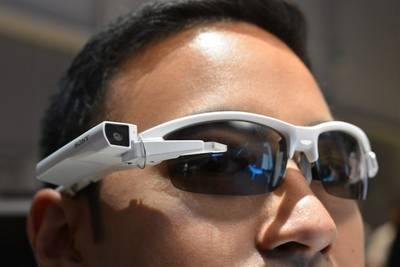 CES 2015: Sony готовит ответ на Google Glass в виде умных очков и модуля SmartEyeglass Attach