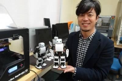 Миниатюрный робот PLEN2 может быть запрограммирован по вашему усмотрению