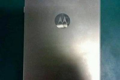 Moto X: шпионское фото смартфона выложили в сети