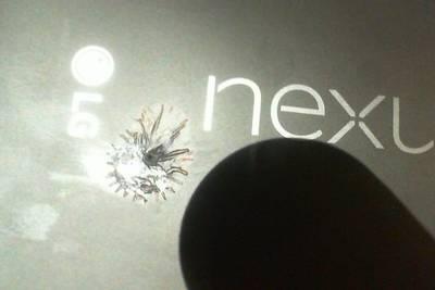 Nexus 5X расплавился прямо на глазах у владельца на 11 день использования