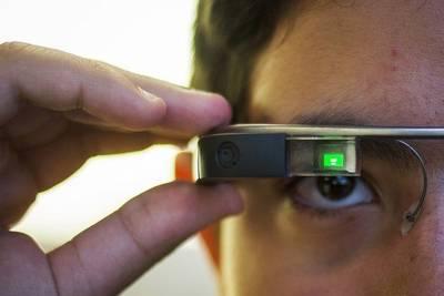 Новая версия Google Glass получит процессор Intel