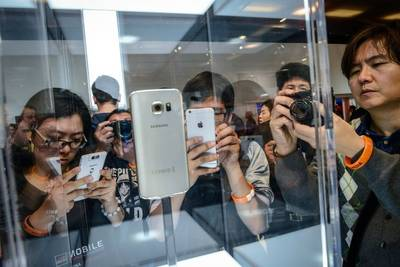 Samsung назвала ложными сообщения о 500 купленных фанатах на презентации Galaxy S6