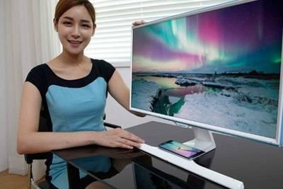 Samsung представила мониторы с беспроводной зарядкой для смартфонов