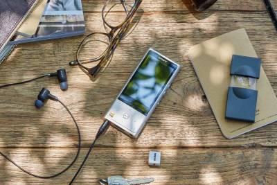 Sony Walkman NW-ZX100HN обладает поддержкой Hi-Res Audio и технологии шумоподавления