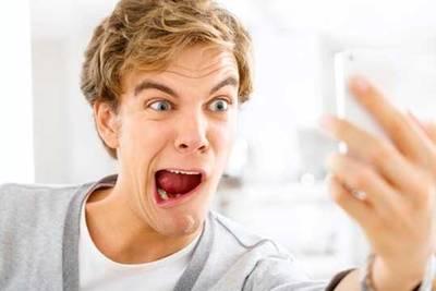 Учёные: Если человек делает в день порядка шести селфи и делится ими с друзьями