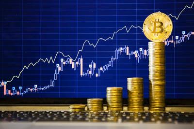 Курс биткоина взлетел до 6100 долларов
