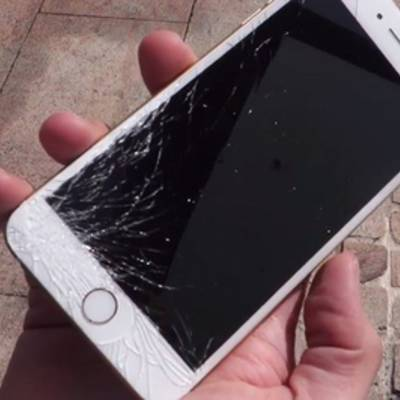Цифра дня: У 15% владельцев айфонов на устройстве разбит экран, но они продолжают ими пользоваться