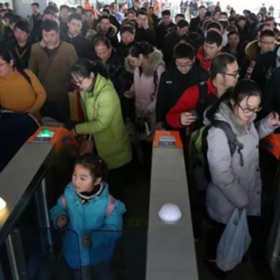 Китай запретит людям с плохим «социальным кредитом» пользоваться самолетами и поездами