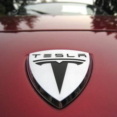 Tesla сделала ряд важных анонсов, в том числе относительно новой модели Roadster