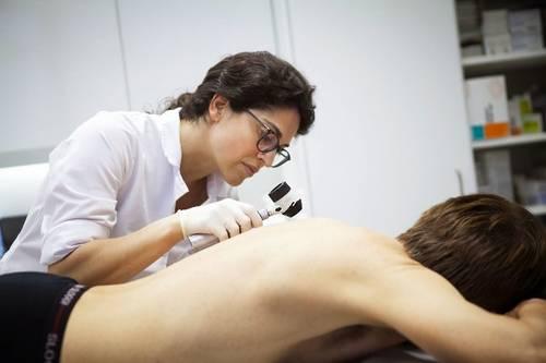 ИИ превосходит врачей-людей в выявлении рака кожи