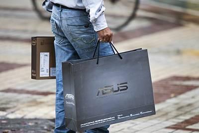 Asus опроверг прекращение поставок в Россию - обещают в начале 2015 удивить всех «новыми