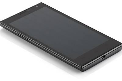 Haier W858 — эргономичный смартфон с двумя SIM-картами