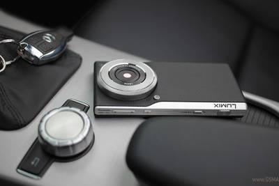 Камера-смартфон Panasonic DMC-CM1 выйдет в Великобритании 1 декабря