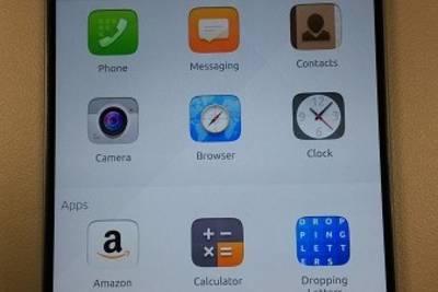 Meizu MX4 с ОС Ubuntu Touch на фото