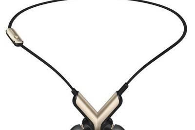 TalkBand N1 - это плеер, наушники и простенький фитнес-трекер в одном