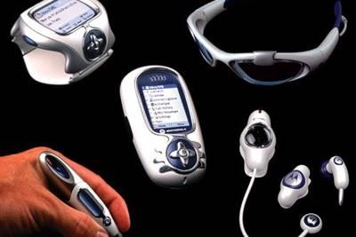 """В 2003 году компания Motorola совместно с дизайн-студией """"Frog Design"""" представила целый набор концептуальных решений"""