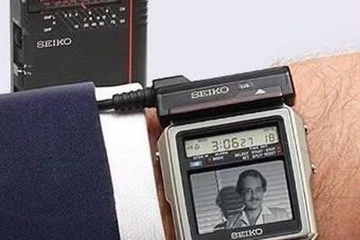 Японские часы от фирмы Seiko, в которые встроен телевизор