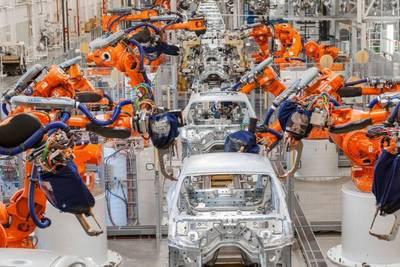 Mercedes отказывается от использования роботов при сборке автомобилей