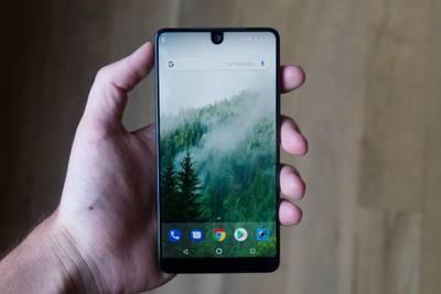 Смартфон Essential от создателя Android продаётся очень плохо