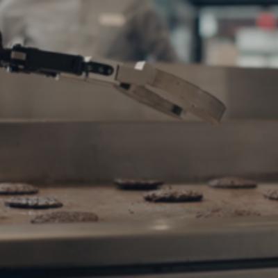 В следующем году бургеры для американцев будут делать роботы